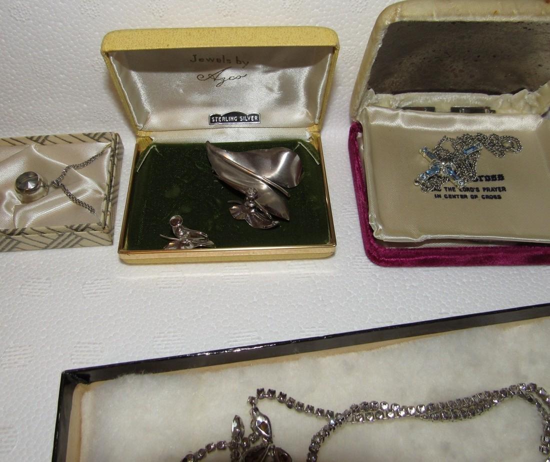 Jewelry Lot Incl Sterling Silver Earrings & Brooch - 5