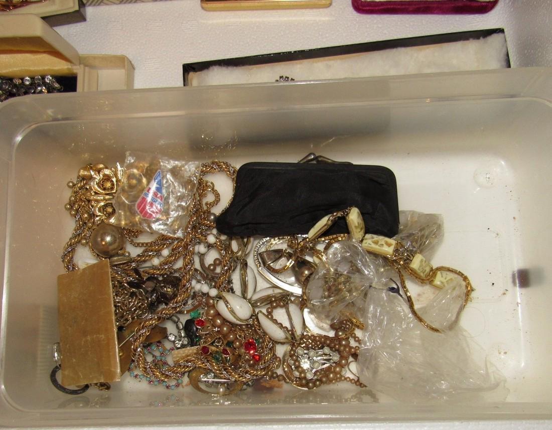 Jewelry Lot Incl Sterling Silver Earrings & Brooch - 6