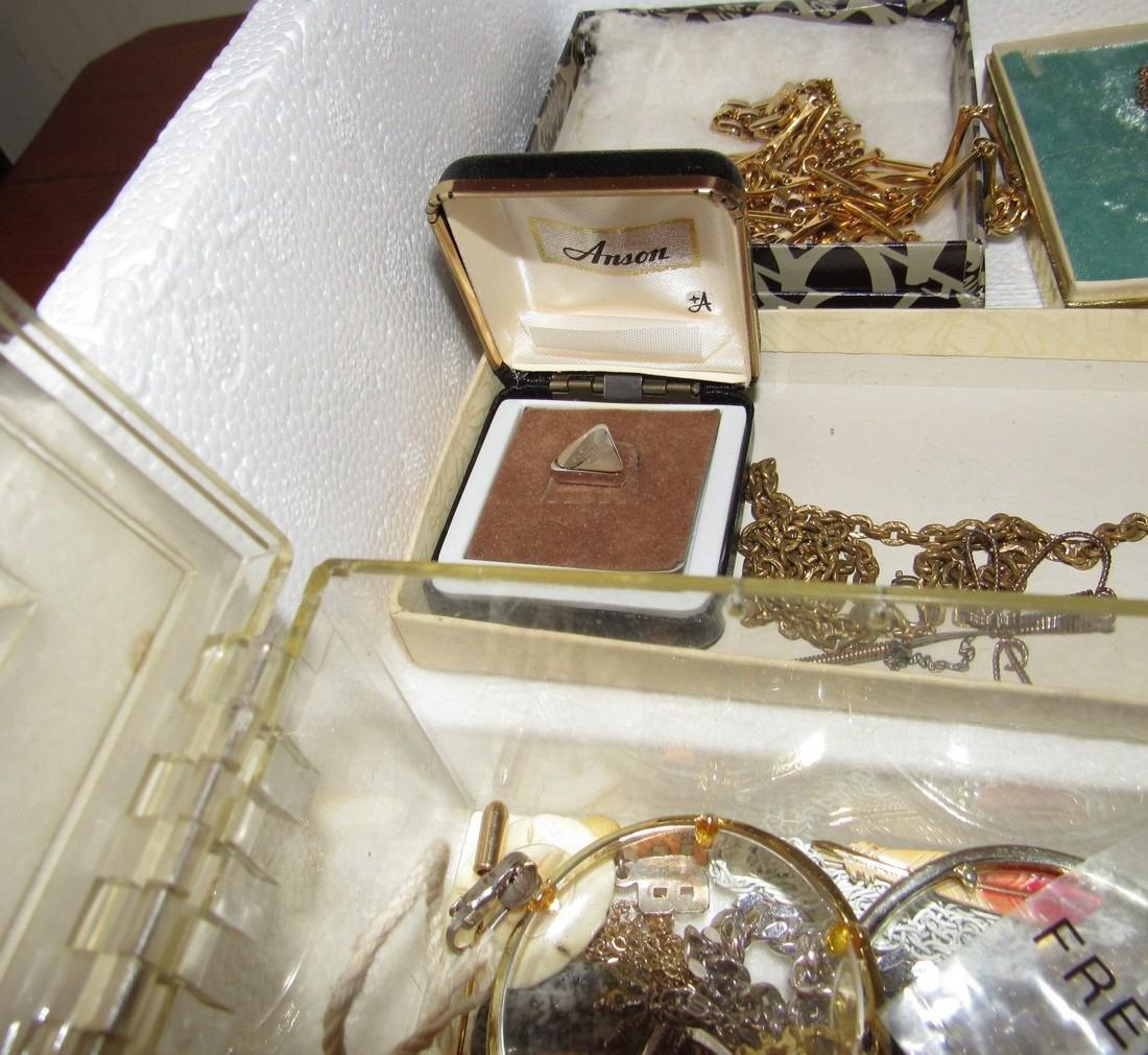 Jewelry Lot Incl Sterling Silver Earrings & Brooch - 9
