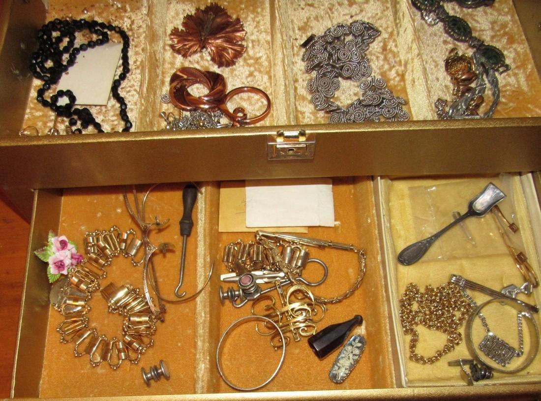 Jewelry Lot Ring Earrings Bracelets Brooches - 3