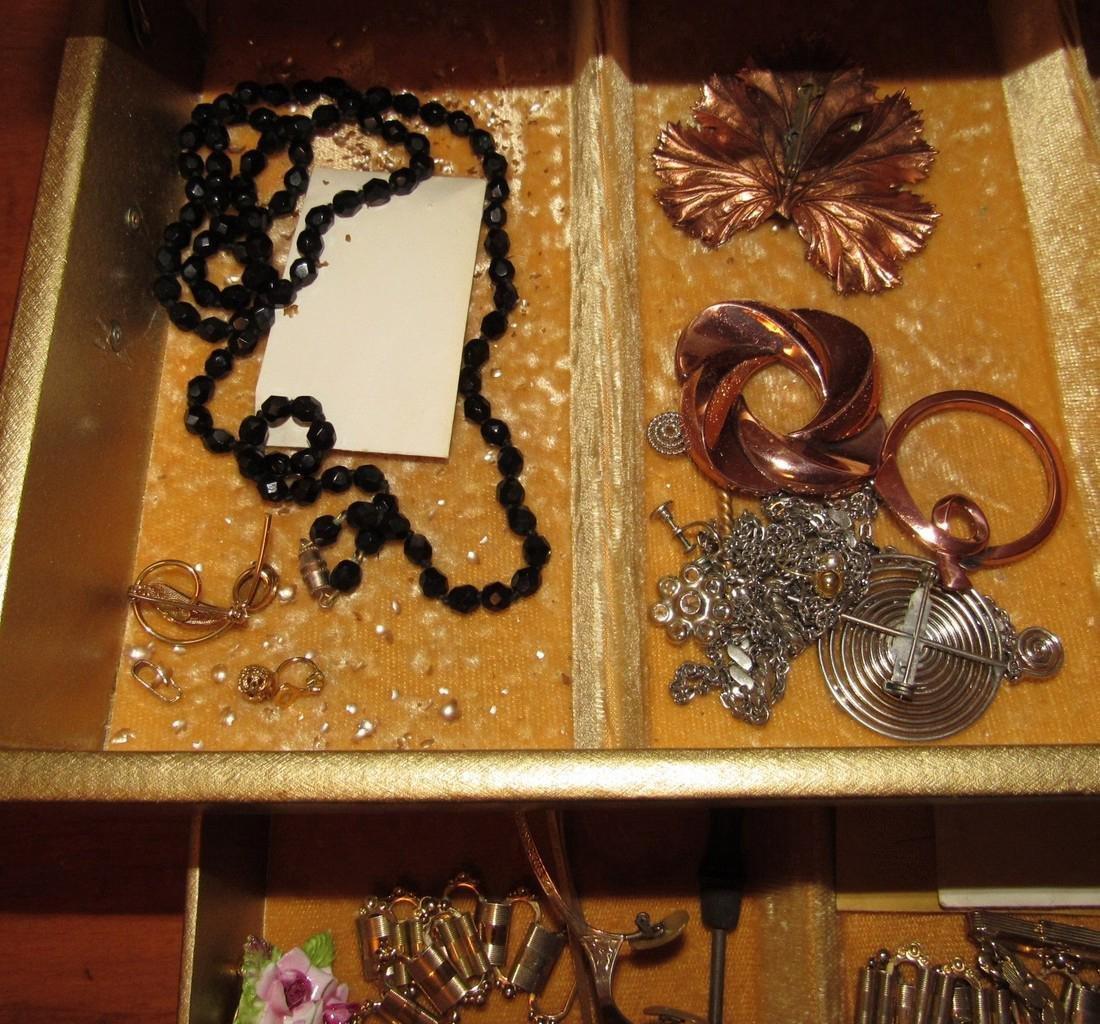 Jewelry Lot Ring Earrings Bracelets Brooches - 7