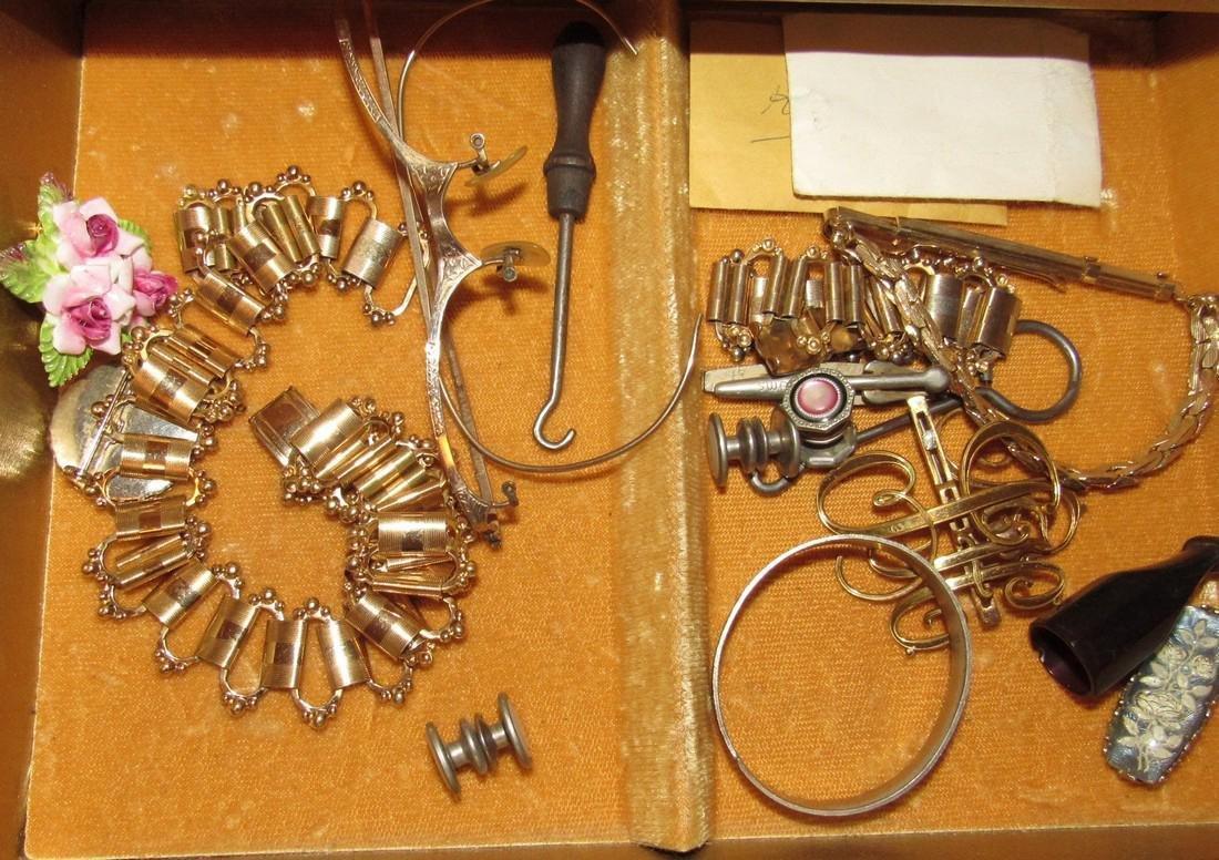 Jewelry Lot Ring Earrings Bracelets Brooches - 8