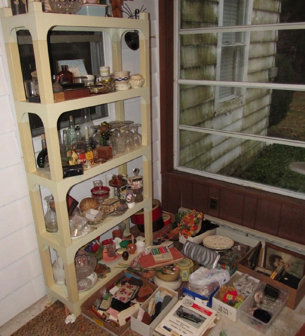 Shelf & Floor Contents Knick Knacks Glassware