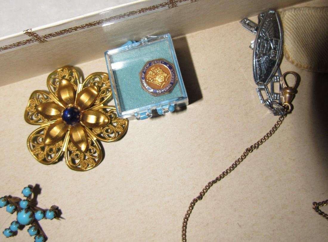 Jewelry Lot Brooches Tie Tacs Necklaces - 8