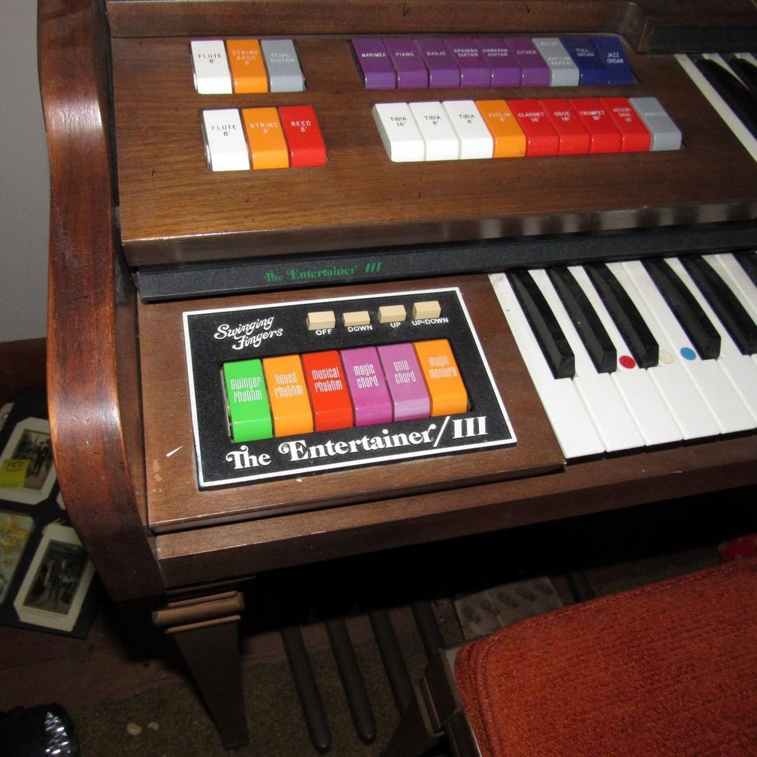 Kimball Entertainer III Organ - 3