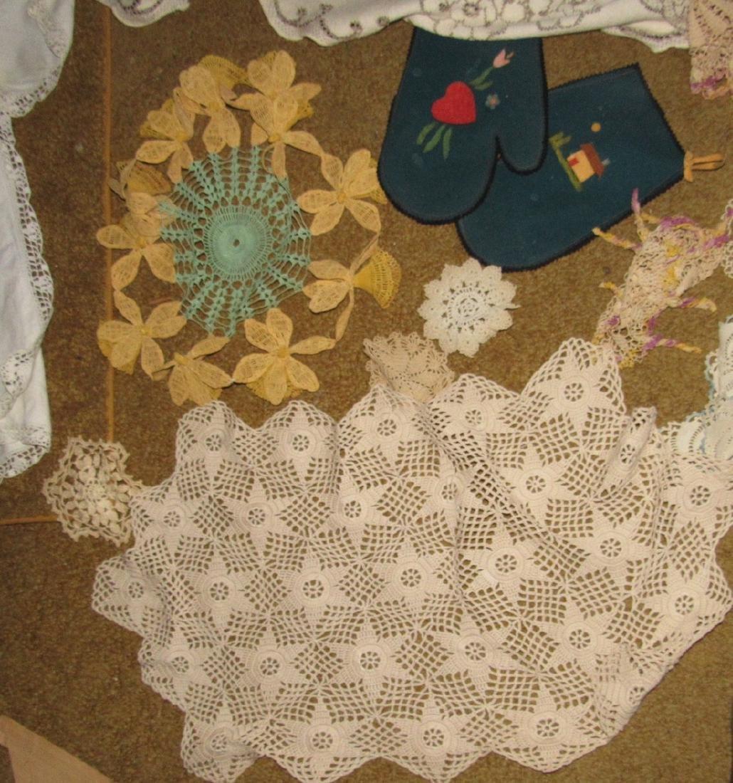 Table Cloth & Doilies Lot - 2