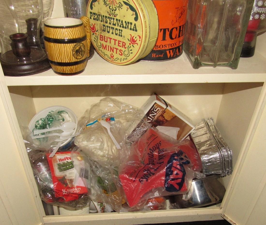 Metal Cabinet & Misc Contents - 5