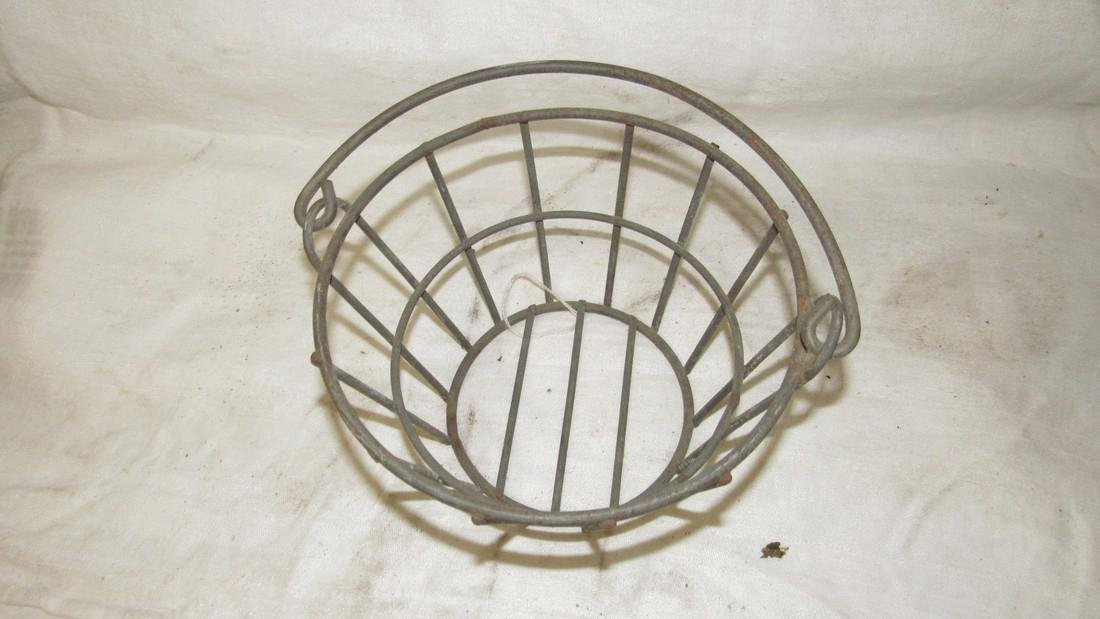 Small Primitive Wire Egg Basket - 2
