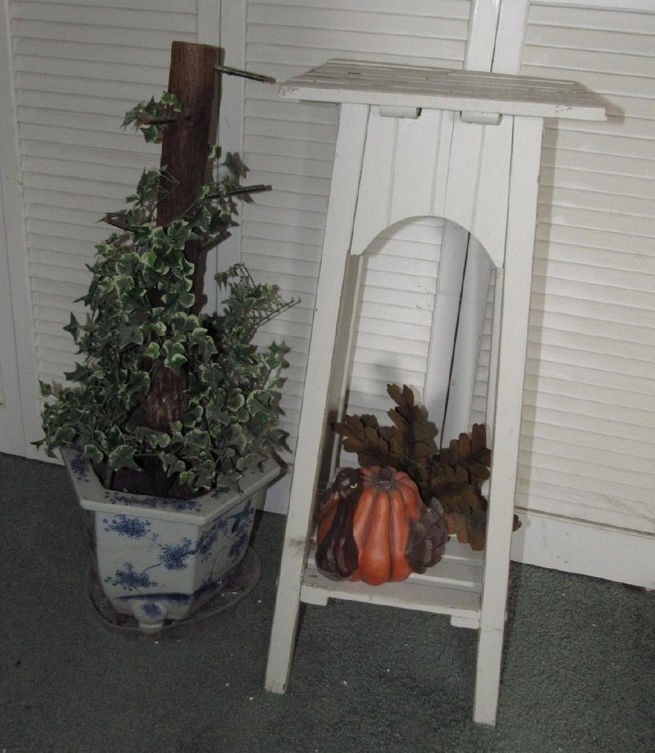 Plant Stand Planter & Turkey