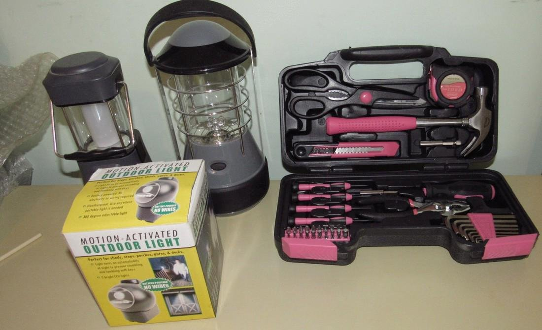 Tool Set Outdoor Light & Battery Operated Lamps