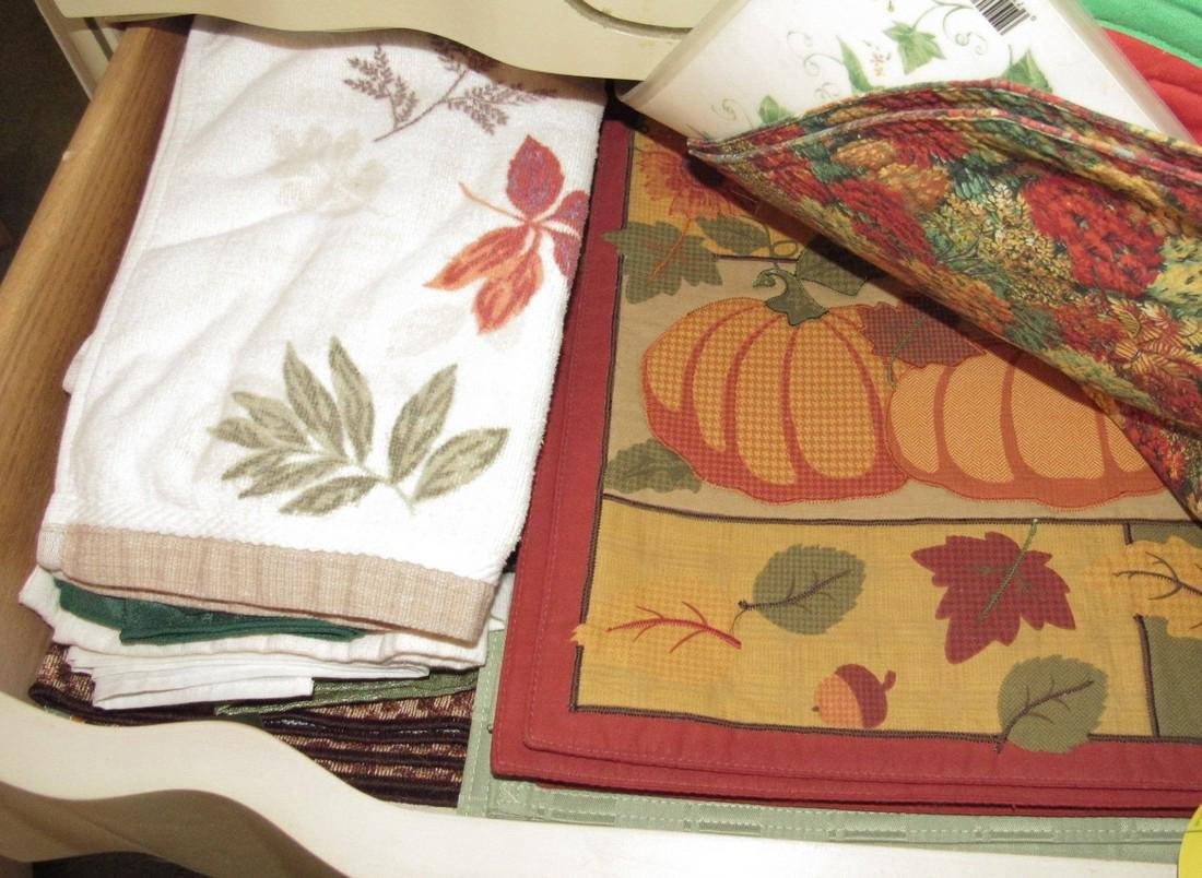 Placemats Table Clothes & Towls - 8