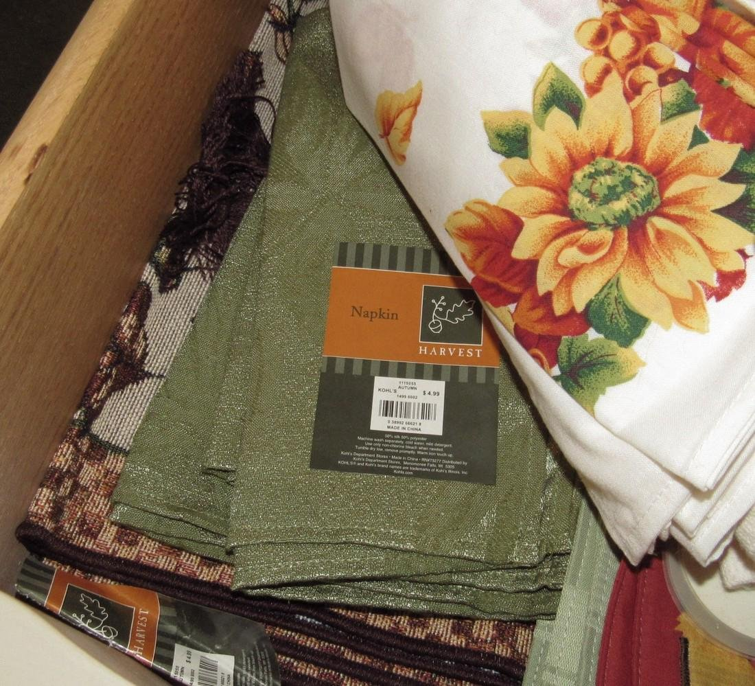 Placemats Table Clothes & Towls - 9