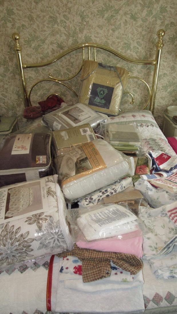 Large Lot of Bedspreads / Comforters
