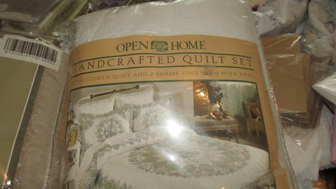 Large Lot of Bedspreads / Comforters - 7