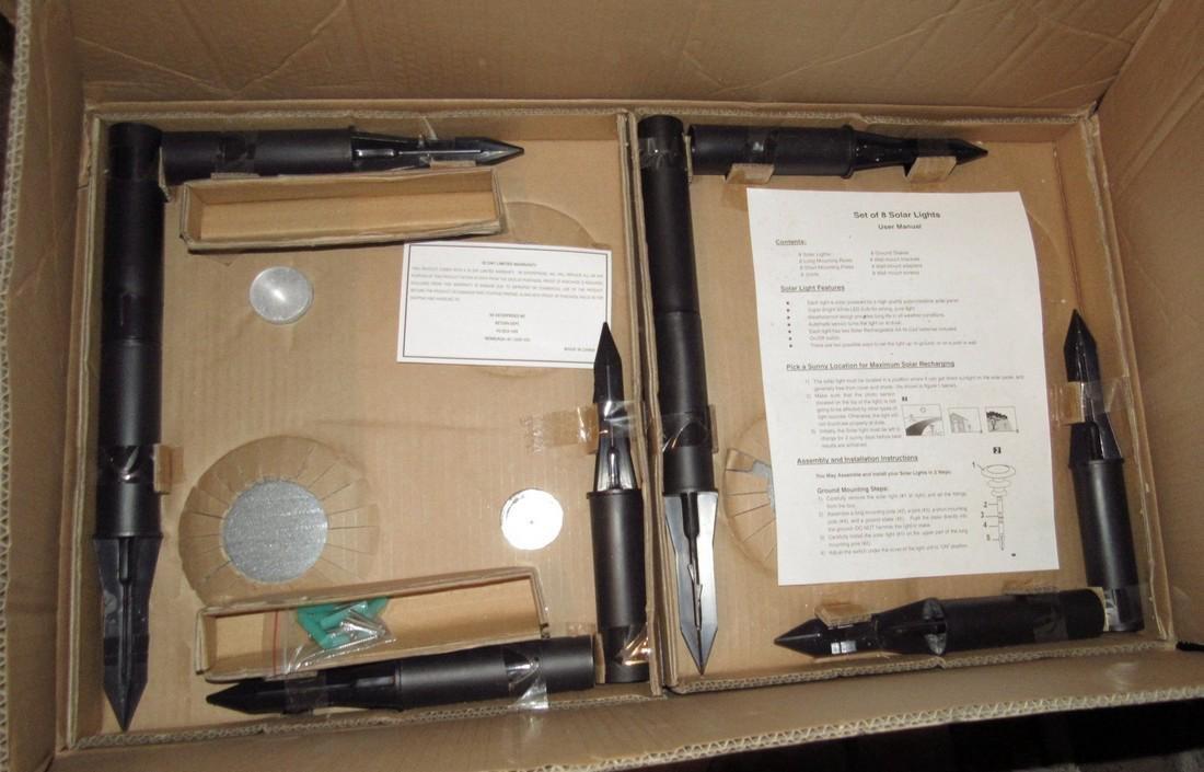 Set of 8 Solar Lights in Box