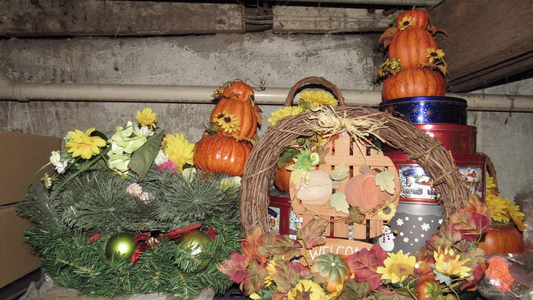 Crafts Artificial Flowers Halloween Lot - 2