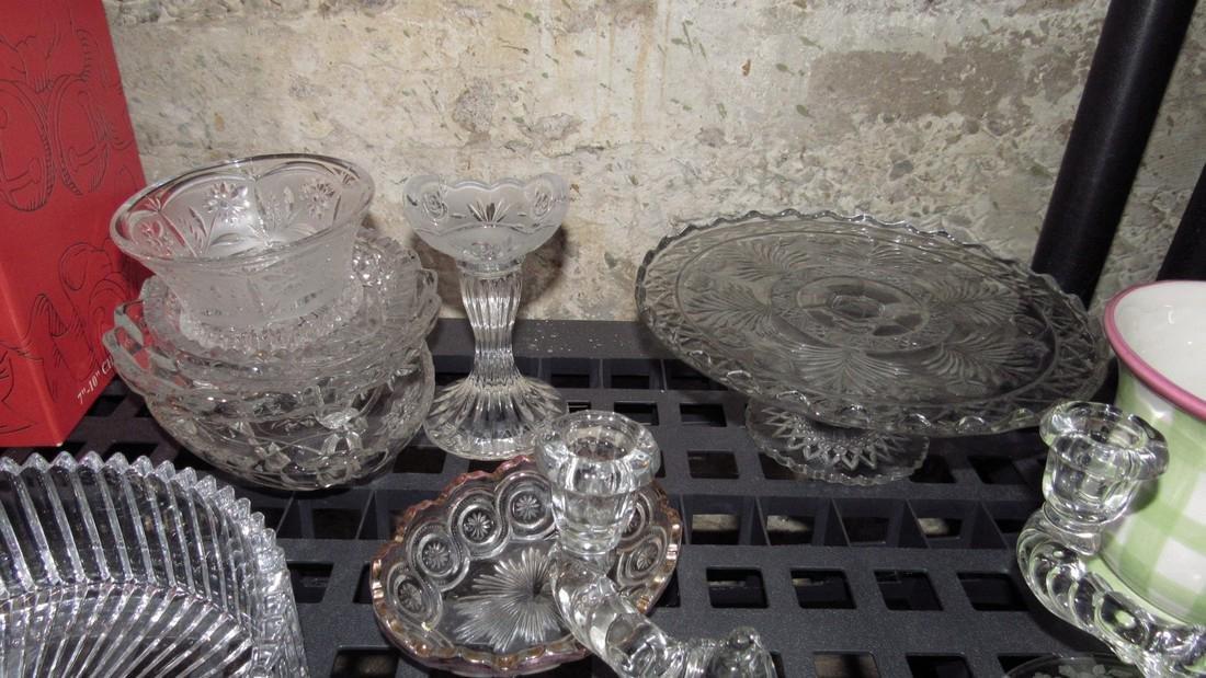 2 Shelves of Glassware - 3