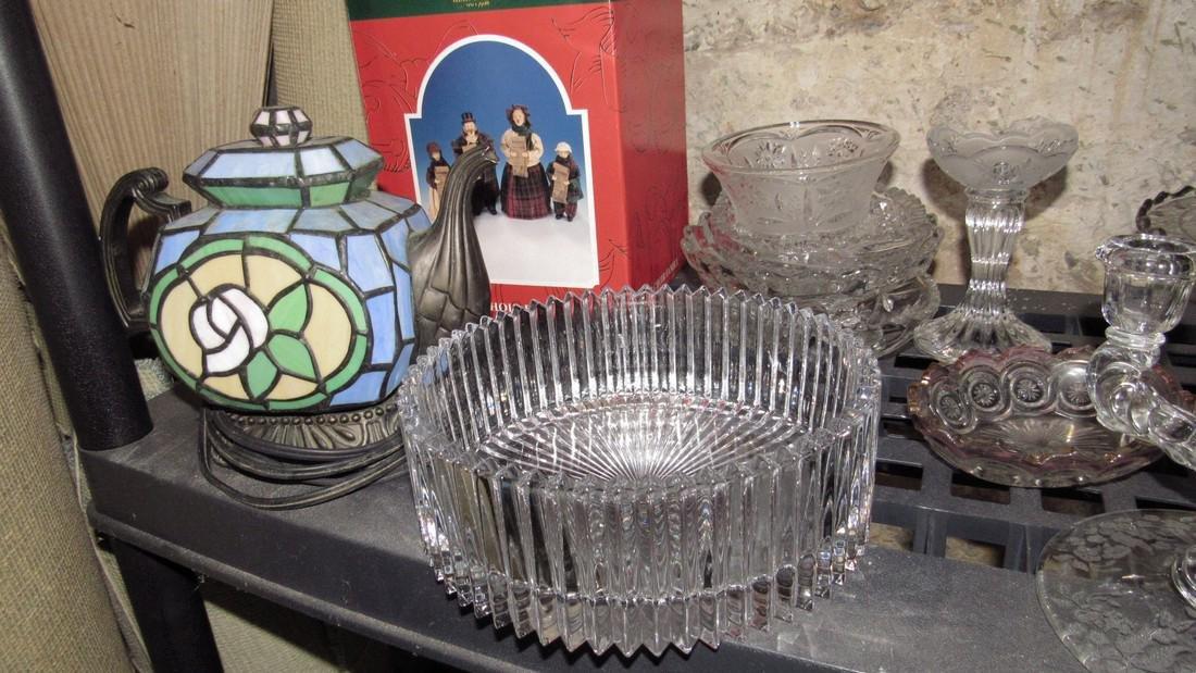 2 Shelves of Glassware - 4