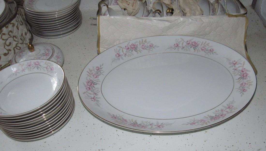 Mikas China Lois 8131 Dinnerware - 4