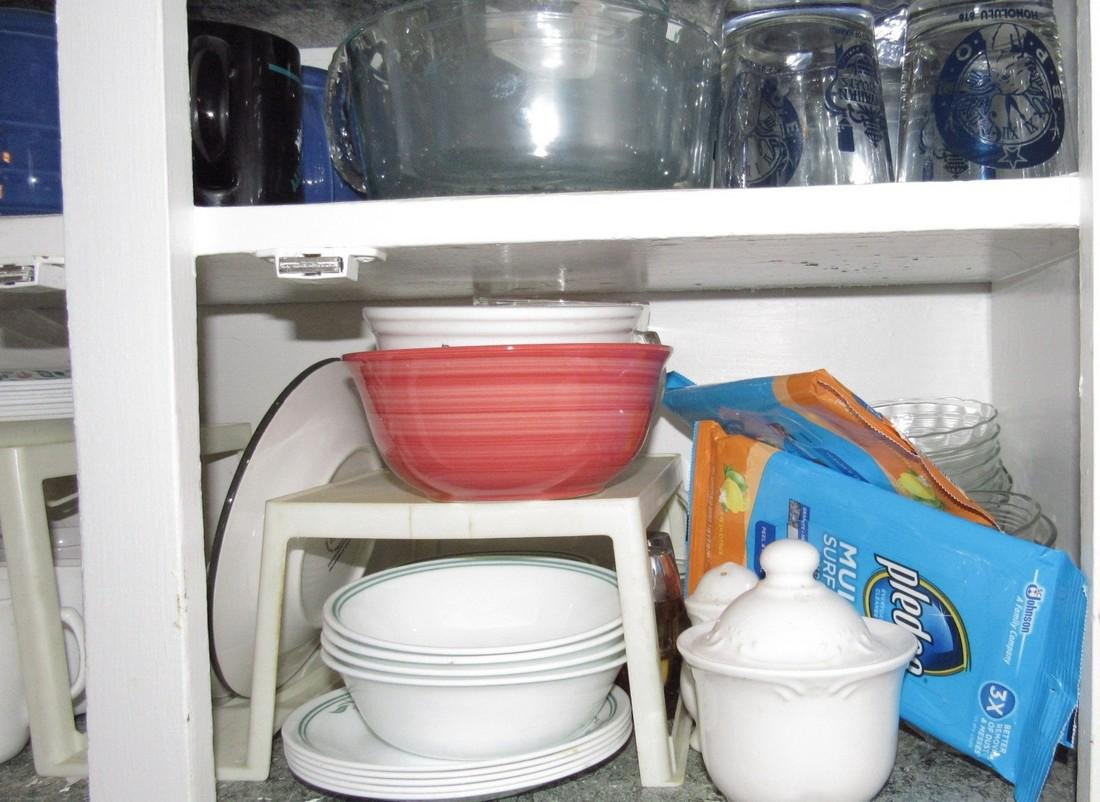 Contents of Kitchen Cabinet - 4