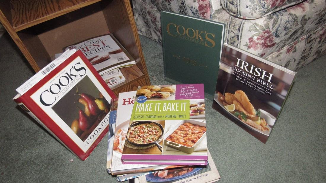 End Lamp Table w/ Cook Books - 4