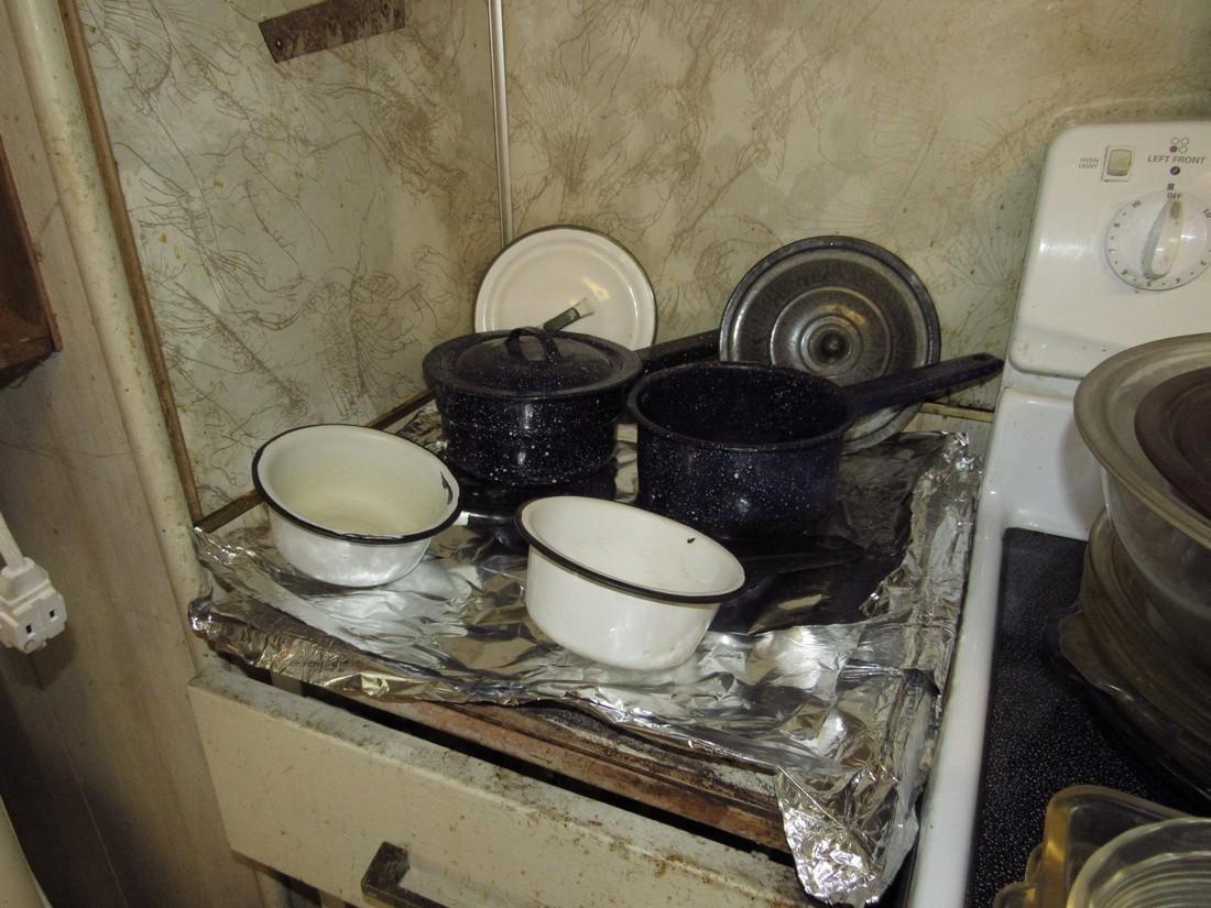 Agateware Pots / Pans