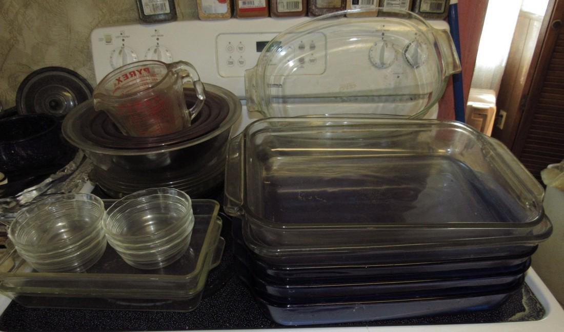 Pyrex Casseroles & Mixing Bowls