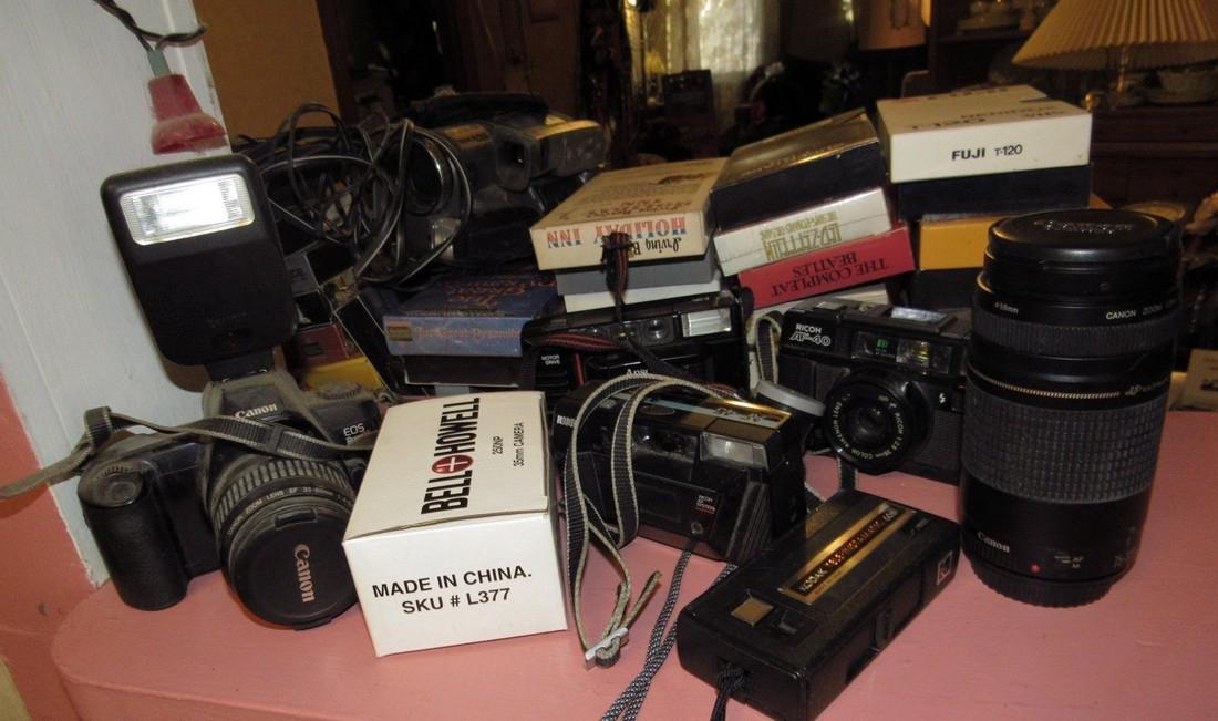 Canon EOS Rebelx Camera w/ Lens