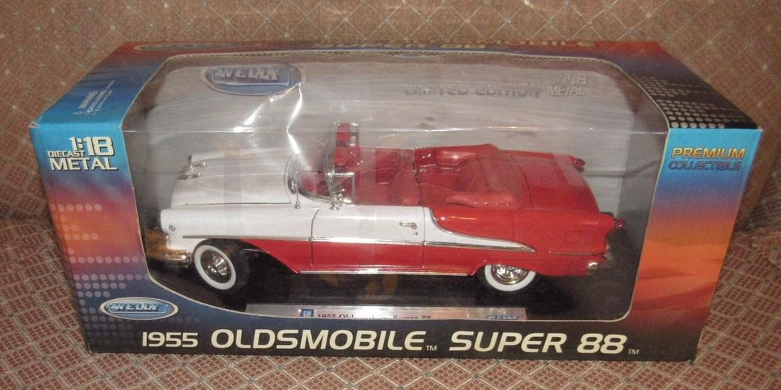 Welly 1955 Oldsmobile Super 88 Die Cast Toy Car