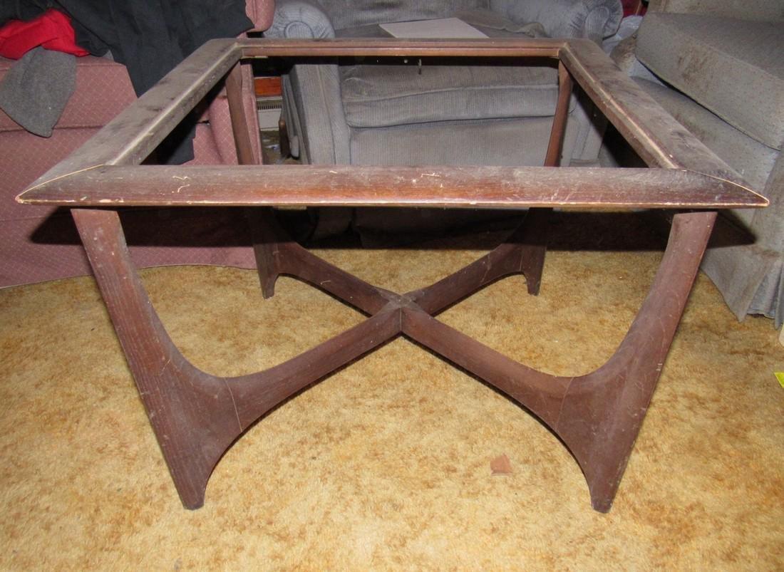 Lane Mid Century Modern End Table