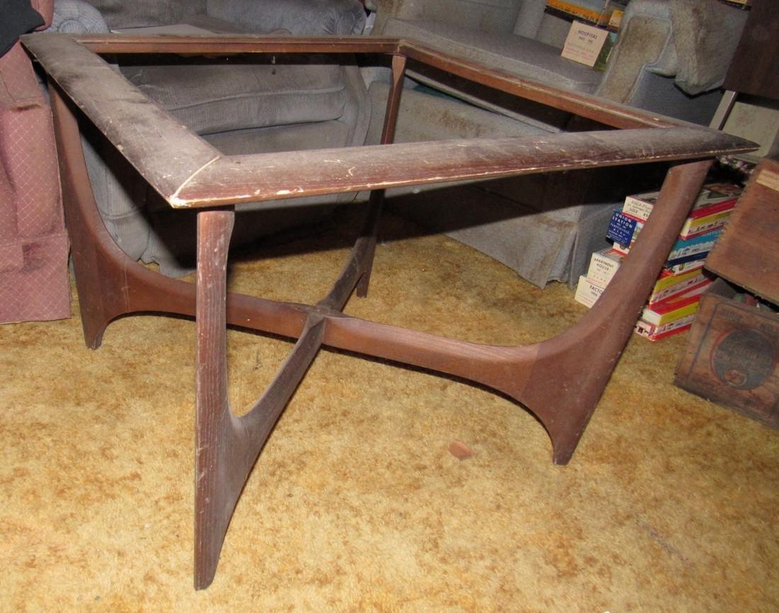 Lane Mid Century Modern End Table - 3