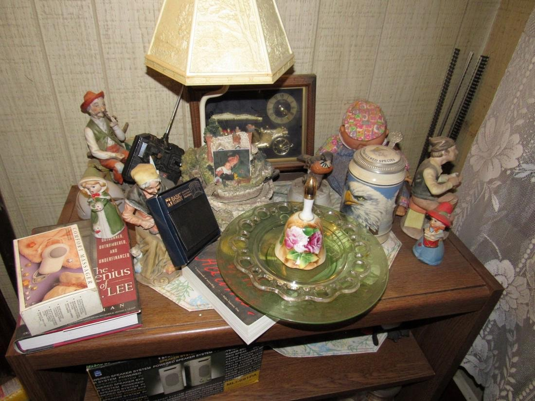 Knick Knacks Figurines Bell Speakers Worlds Fair - 2
