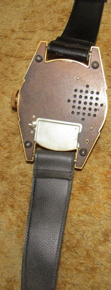 Unusual Wristwatch Transistor Radio - 3
