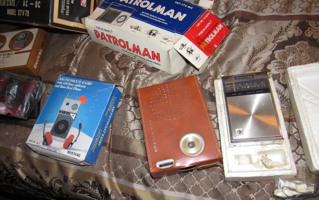 Vintage Radios Electra Tape Recorder Realistic - 2