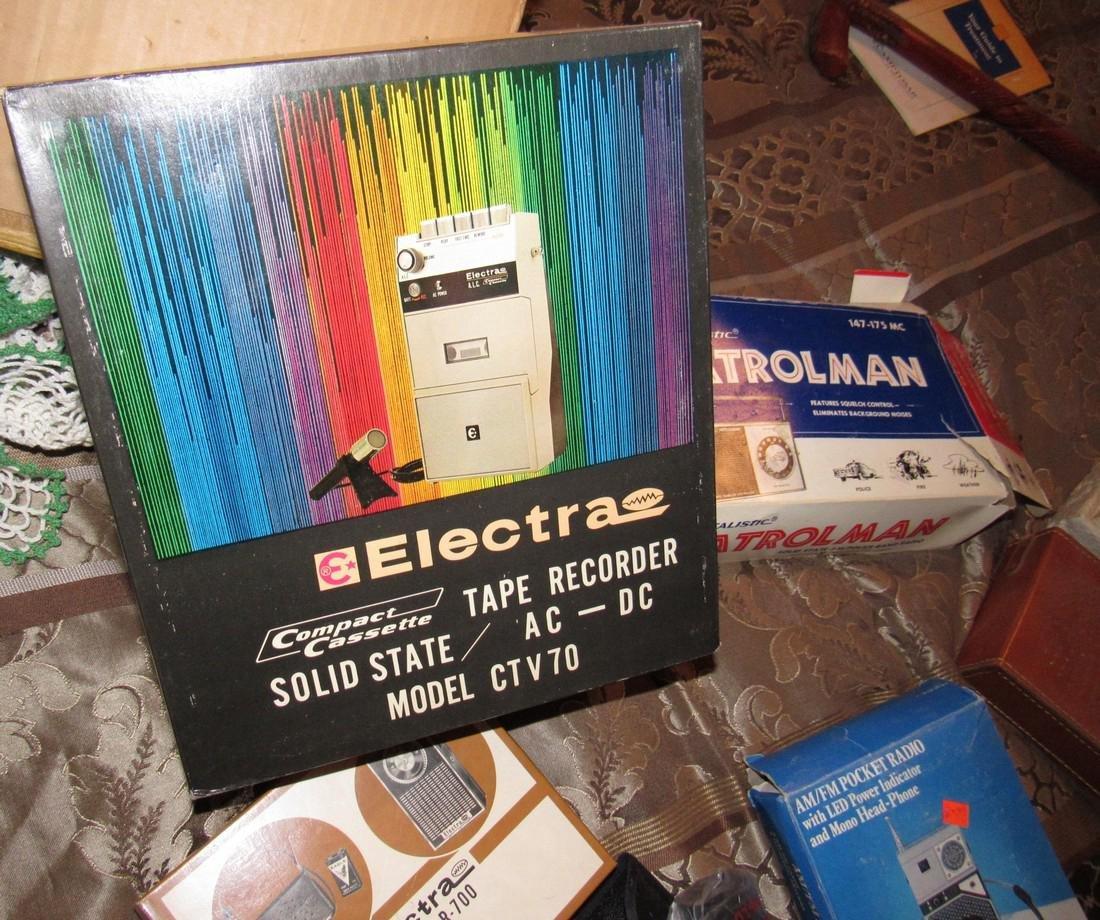 Vintage Radios Electra Tape Recorder Realistic - 4