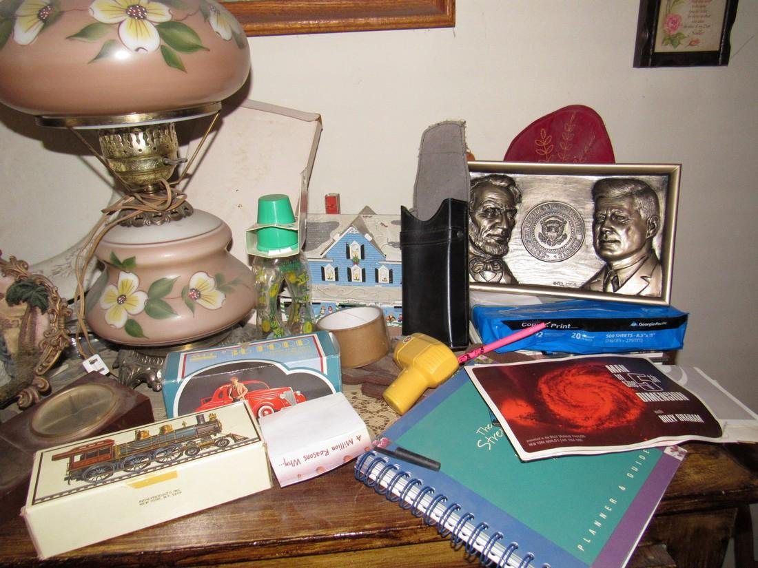 Lamp & Misc Contents Lot - 3