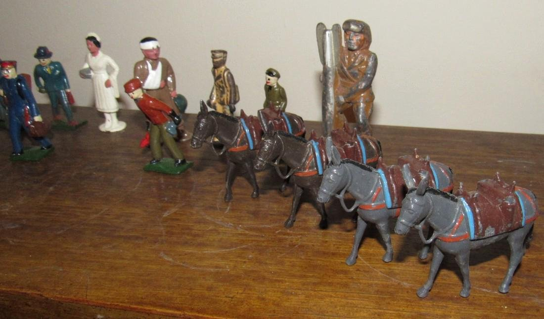 27 Lead Figures Indian Skaters Police Horses - 2