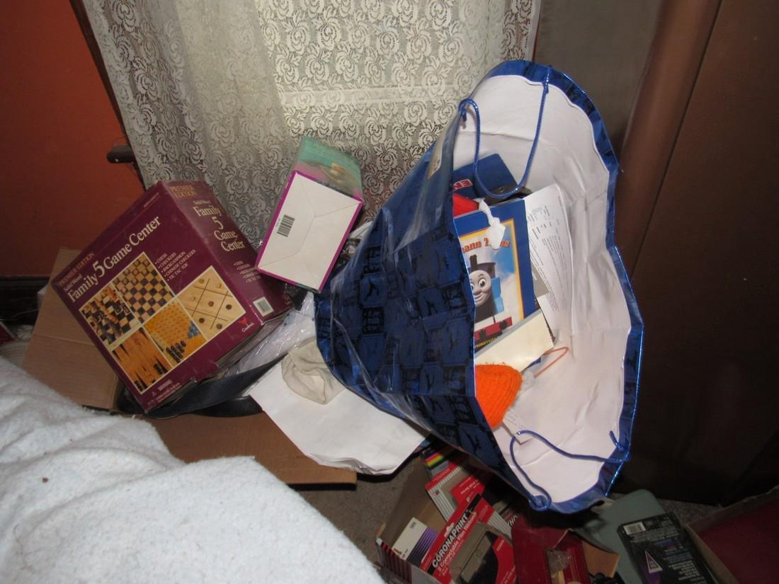 Partial Bedroom Contents - 4