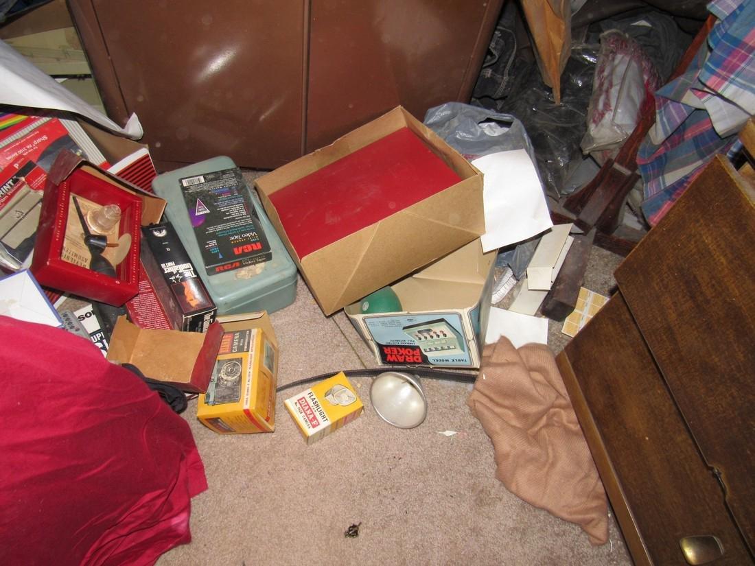 Partial Bedroom Contents - 5