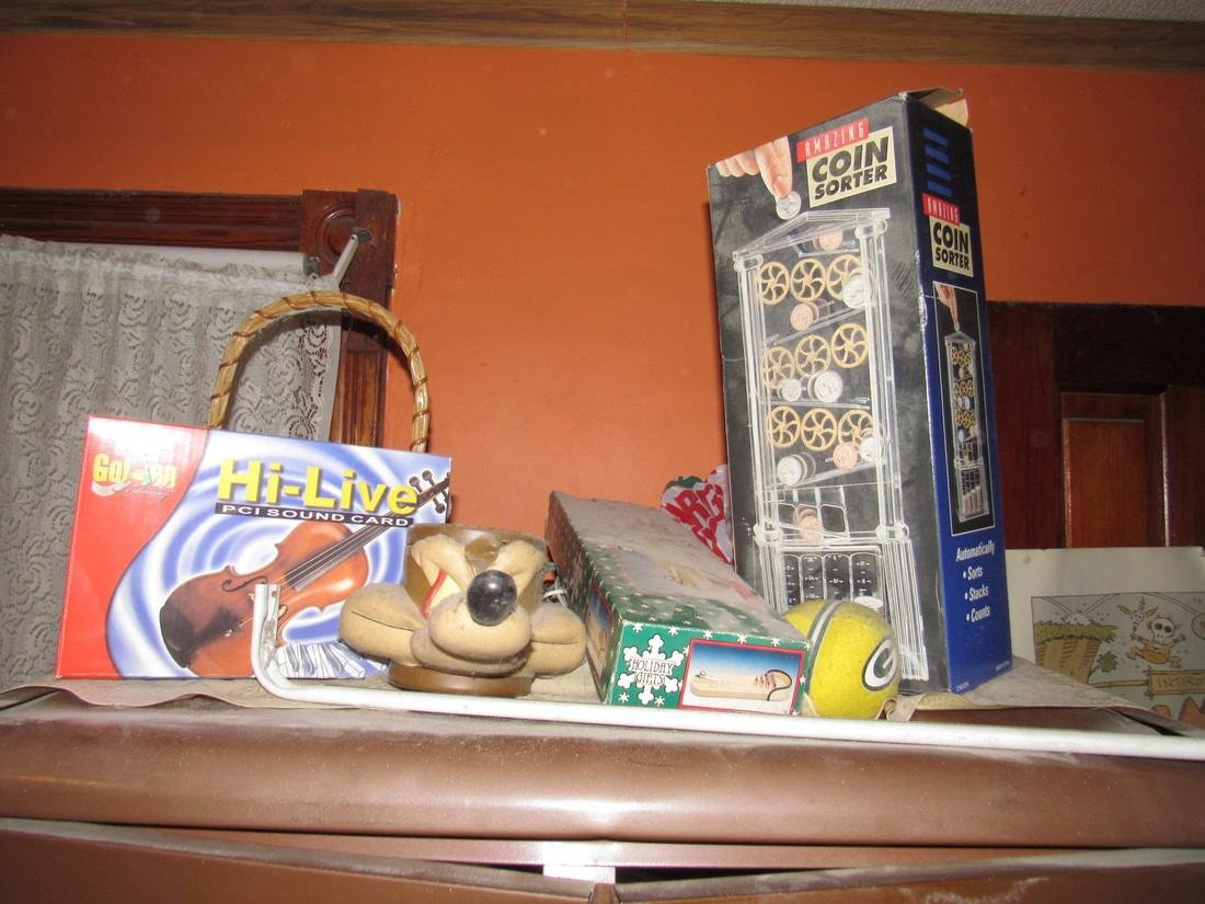 Partial Bedroom Contents - 7