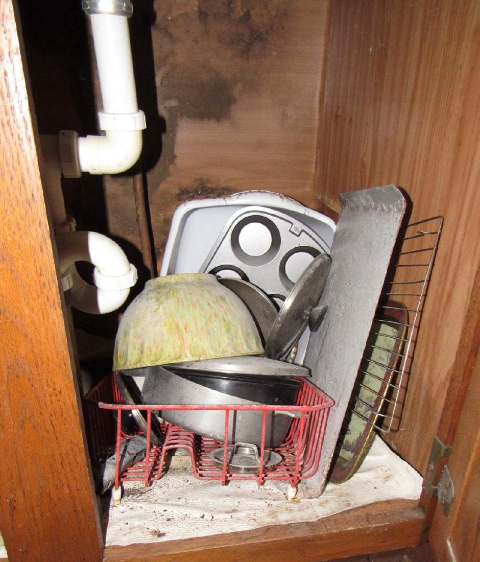 Contents of Kitchen Cabinets & Drawers - 4