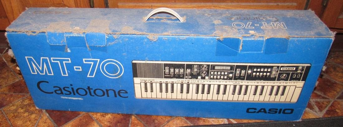 Casio MT-70 Casiotone Keyboard