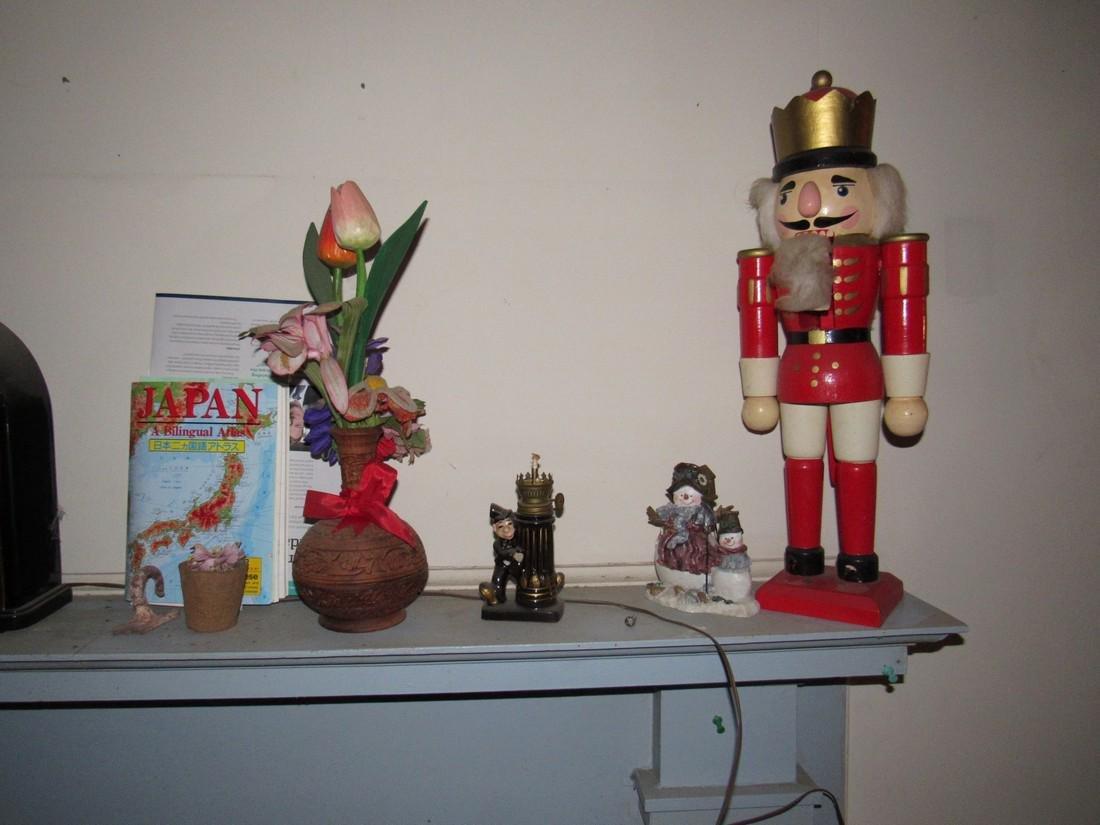 Shelf Lot Walt Disney Mickey Mouse - 2