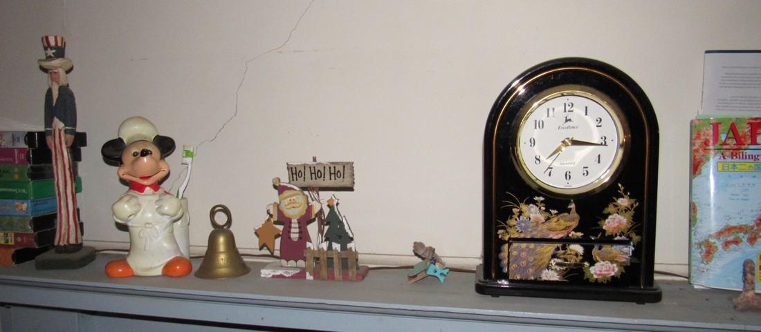 Shelf Lot Walt Disney Mickey Mouse - 3