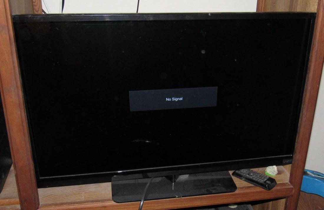 "32"" Vizio Flat Screen TV - 2"