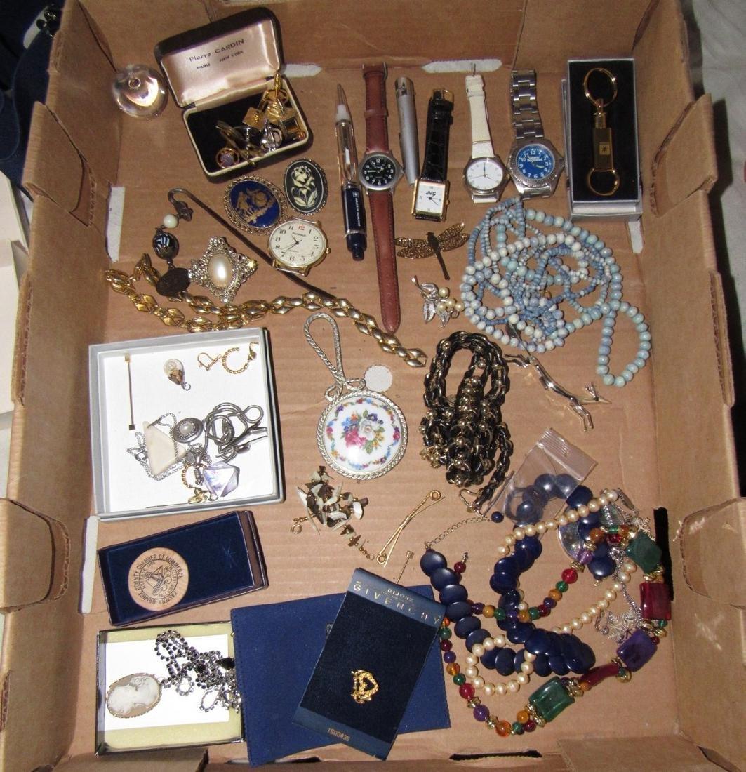 Misc Jewelry Lot