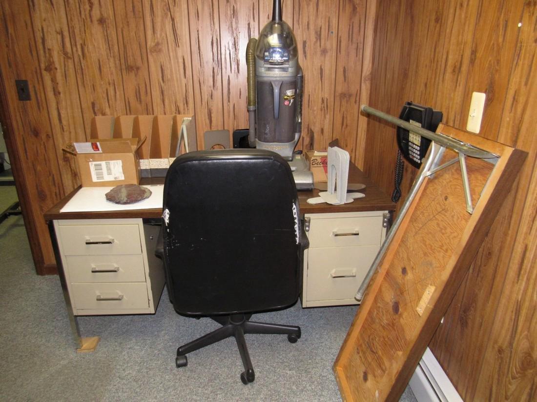 Desk Chair & Contents