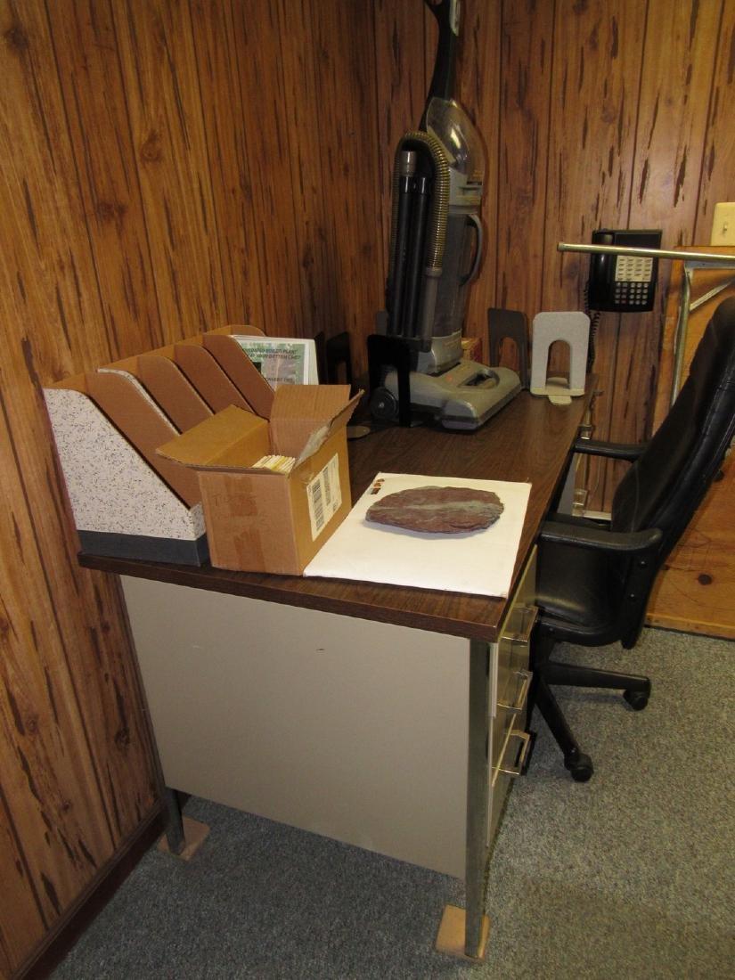 Desk Chair & Contents - 3