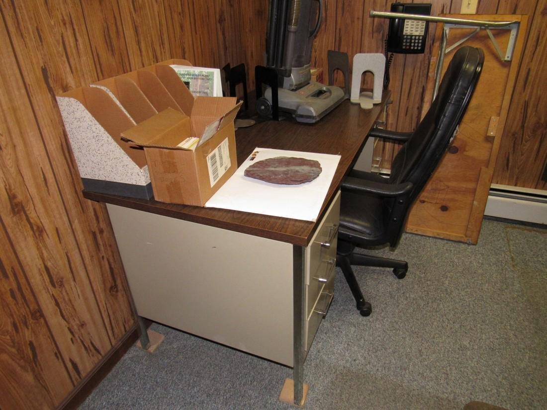 Desk Chair & Contents - 4