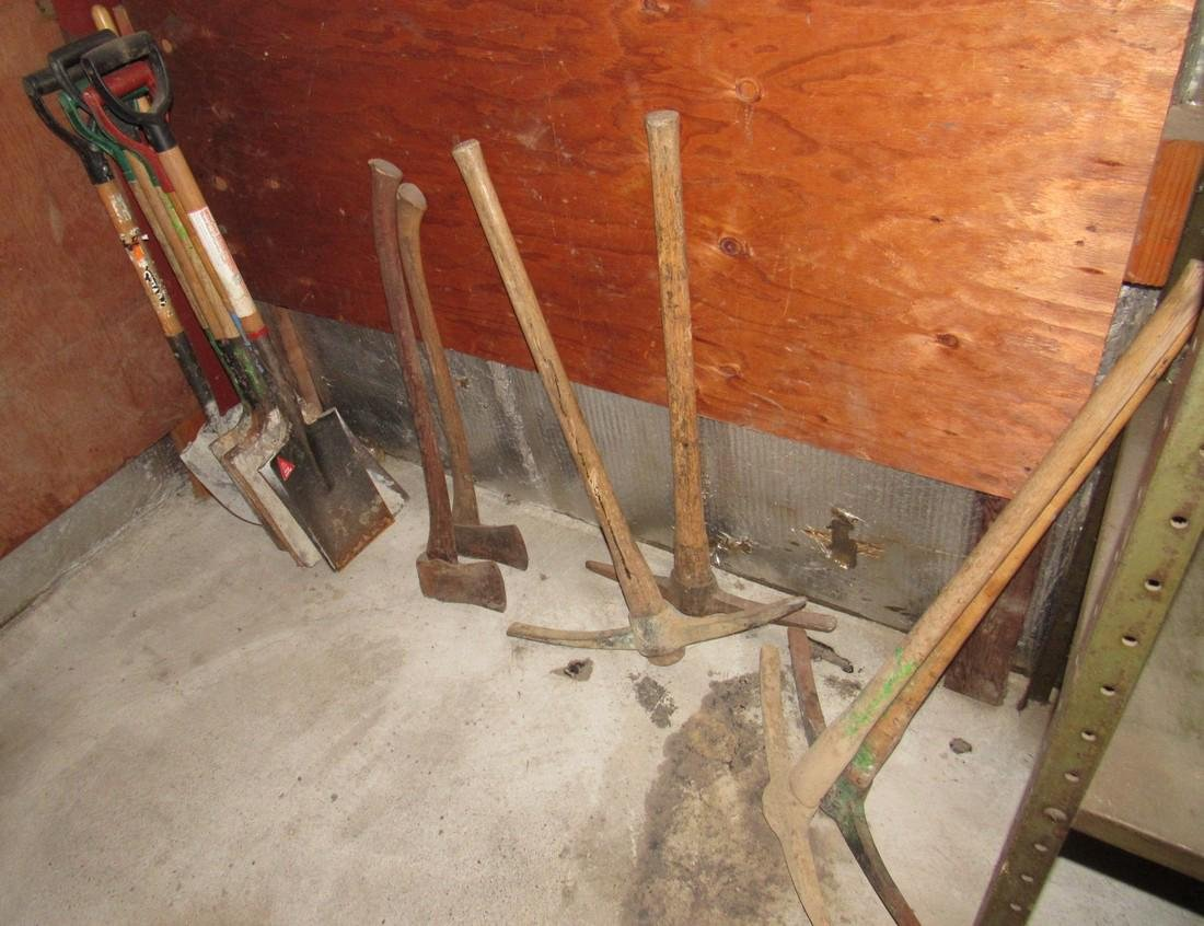 Hand Tools Shovels Axes Picks Pitch Forks